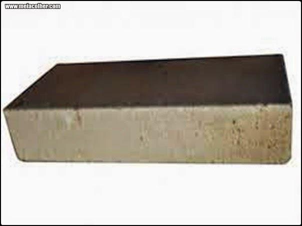 foto de um tijolo refratario de construção