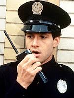 Steve+Guttenberg+mahoney+loca+academia+policia
