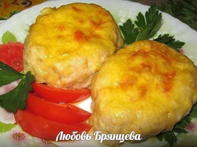 котлеты-лодочки с помидорами и сыром