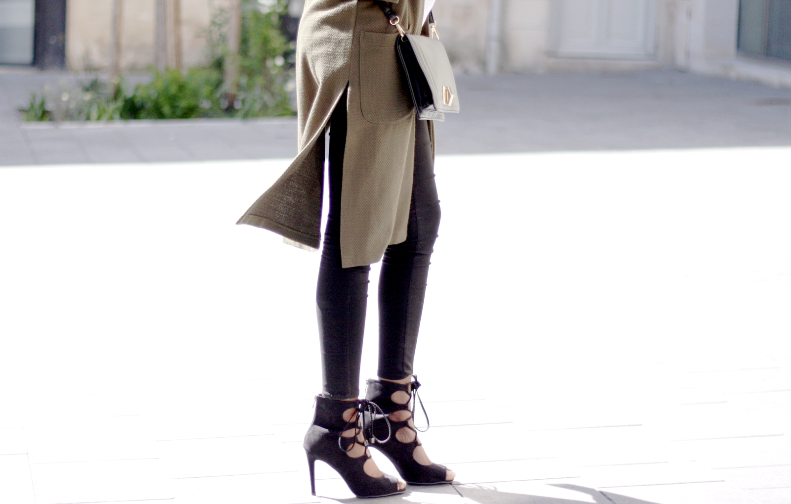 blog mode, blogueuse mode, blogueuse bordelaise, blogueuse bordelaise noire, pochette asos, veste river island, pantalon only noir, chaussures nelly, bordeaux, ootd, olivia, tenue du jour, olivia blog mode, the daily women, chaussures nelly