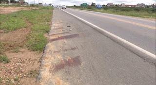Acidente entre moto e jumento deixa animal morto em Campina Grande
