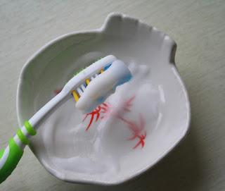 cara menghilangkan karang gigi secara alami