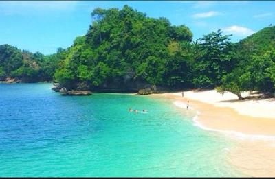 Pantai Gatra adalah pantai dengan pemandangan menawan yang berada didalam wilayah administ Wisata pantai Gatra - surganya destinasi wisata alam laut yang begitu menakjubkan