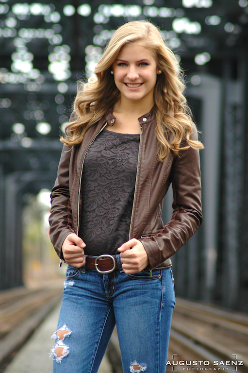Senior Pictures on rail track bridge Columbus, OH