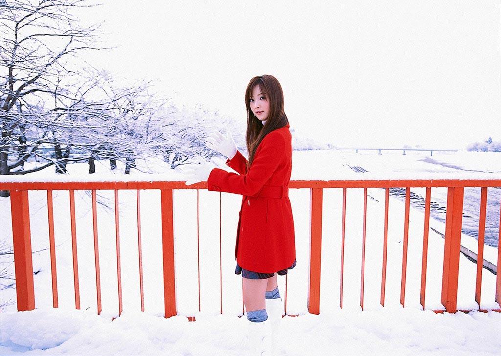 nozomi sasaki white snow 03