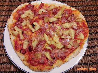 Sagar eta hirugiharra pizza