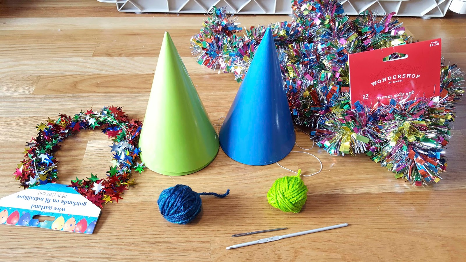 25 Foot Multicolored Party Hat Wire Garland