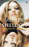Download eBook Sosok Dalam Cermin - Sidney Sheldon