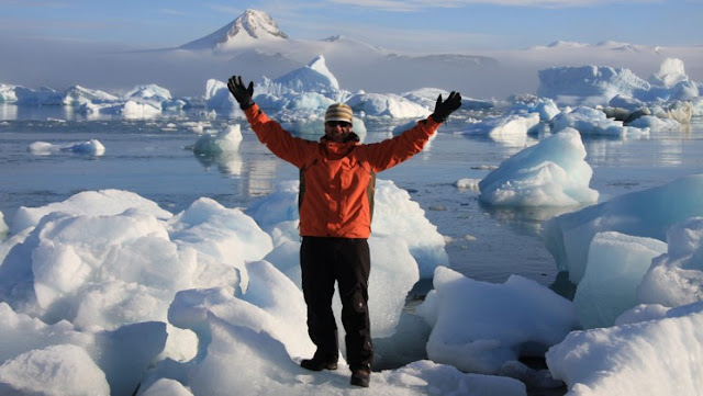 Antarctica-tours-from-Australia-services
