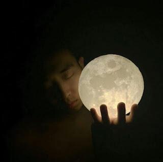 Una hermosa lámpara de la Luna