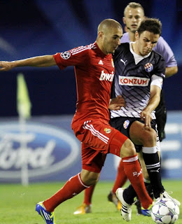 Karim Benzema in red playing for Real Madrid