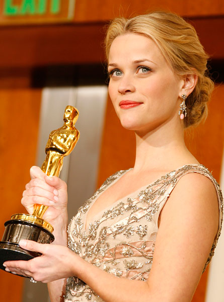 WEIRDLAND Reese Witherspoon to present at Oscars 2011Reese Witherspoon Oscar 2006