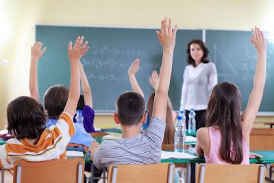 fin de año escolar+ maestro+alumnos+profesor