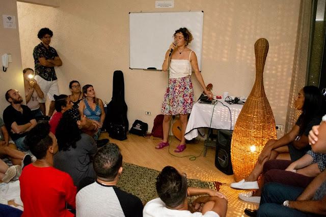 Sarau Boca Selvagem levando poesia e literatura para as quebradas da zona lesta