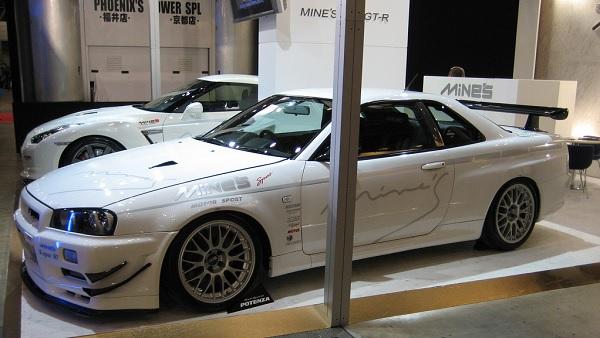 Mine's Nissan Skyline GT-R R34 V-Spec N1