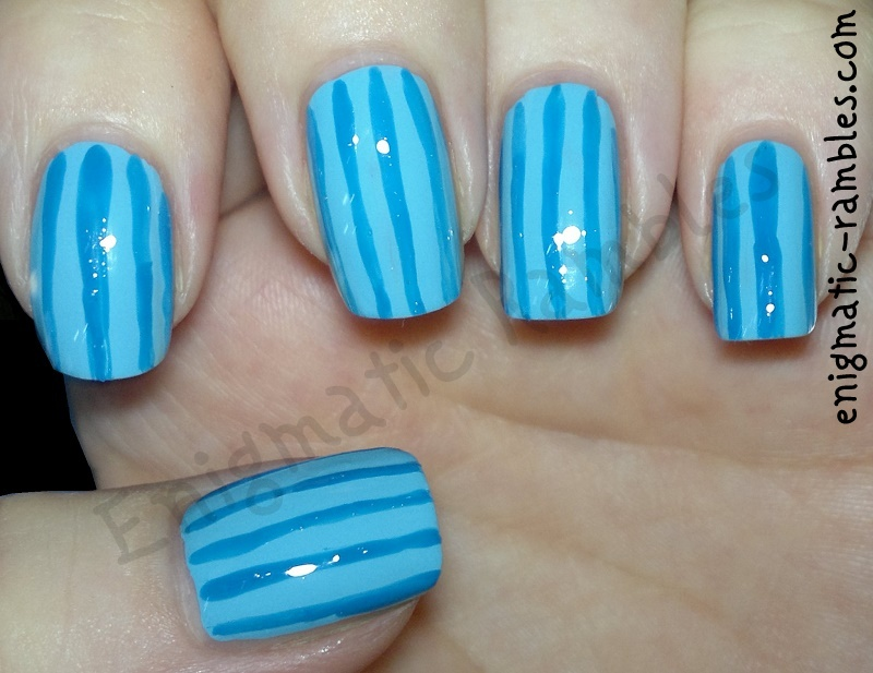 freehand-striped-striping-stripe-nails-nail-art-blue