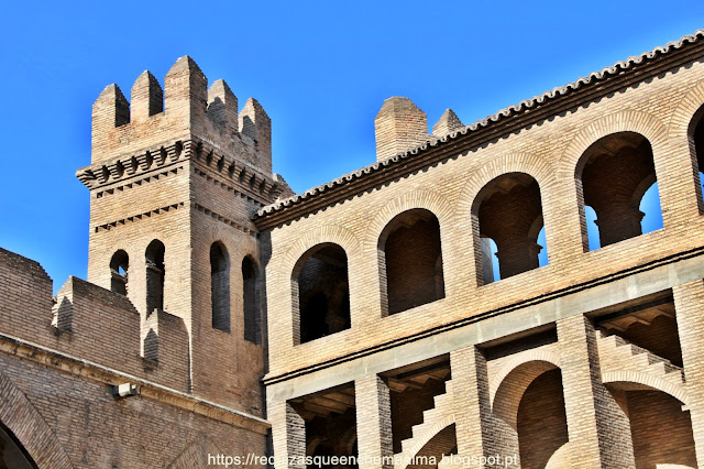 Castelo de Aljafería, em estilo islâmico, Zaragoza