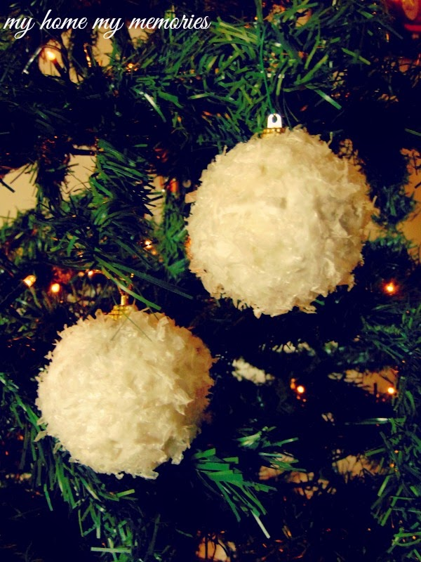Christmas-ornaments-with-snow-flakes