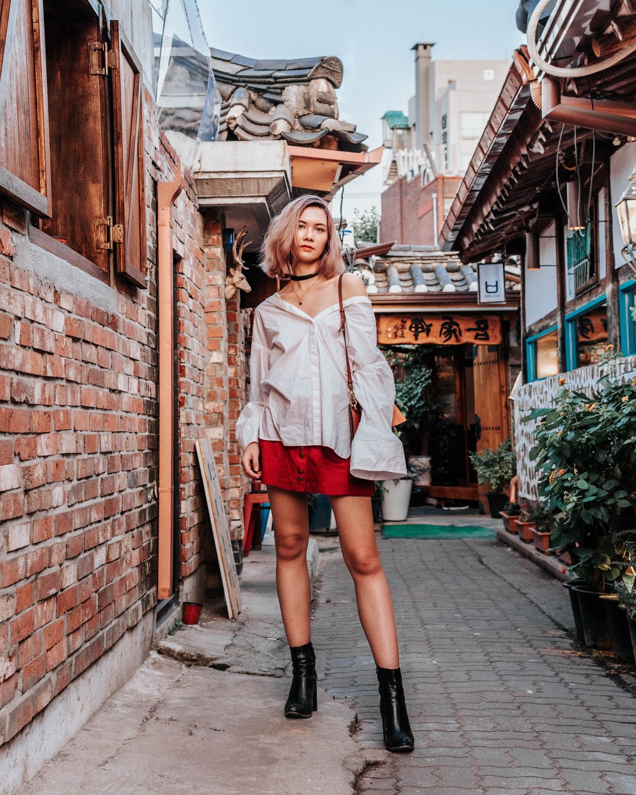 korea travel guide, seoul travel guide, seoul, korea, bukcheon, hanok village, insadong, travel guide, travel, seoul tourism, travel blog, and other stories, chloe girl, chloe faye, mejuri necklace, vintage style, retro style