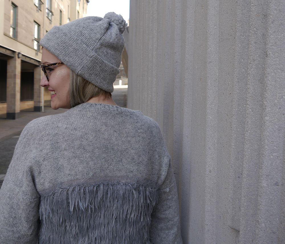 Scottish blogger, Edinburgh, cropped jumper for AW 2016, cosy and hygge look, Edinburgh designer, independent knitwear designer, Yellow Bubble, Yellowbubble, luxury knitwear, Scottish knitwear, handmade knits, Scottish designer, matching hat and jumper, patterned jumper, Scottish street style, faux fur, casual knitwear