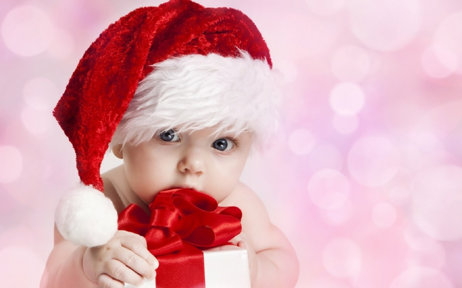 e77cf500ee6 Beautiful Baby in Christmas outfit Images for wishing Merry Christmas