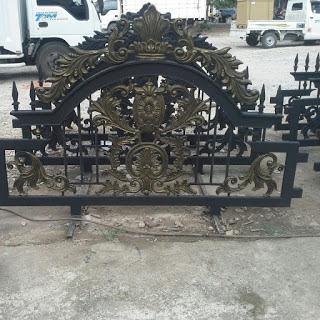 pagar tempa moderen untuk rumah mewah