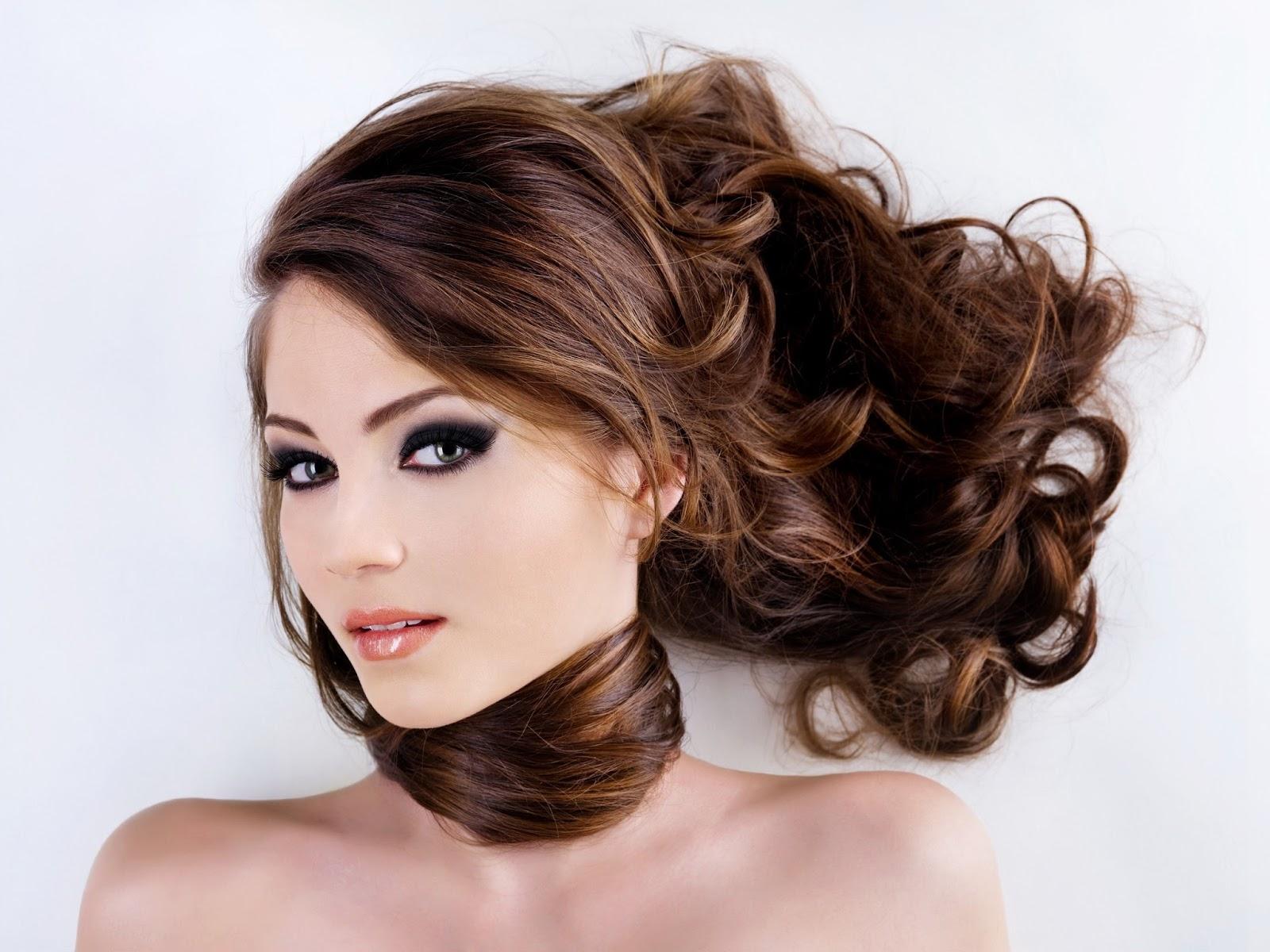 Gội đầu đúng cách bảo vệ mái tóc của bạn