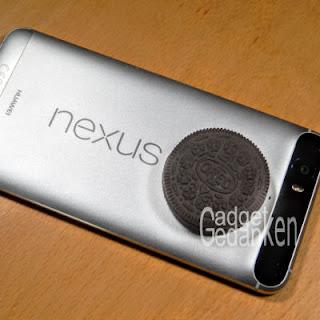 Oreo Keks auf meinem Nexus 6P - Ja, da liegt ein Keks auf dem Smartphone