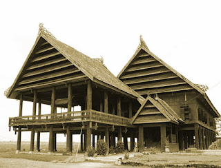Keunikan Sejarah Rumah Adat tradisional Bugis Makassar Sulawesi Selatan Tempat Wisata Keunikan Sejarah Rumah Adat tradisional Bugis Makassar Sulawesi Selatan
