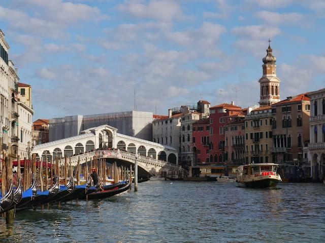 Marché de poissons du Rialto à Venise