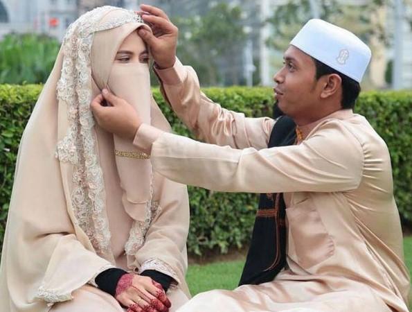 Dear Istriku.. Nanti Malam Pertama Mau Di Bacain Surah Apa ?
