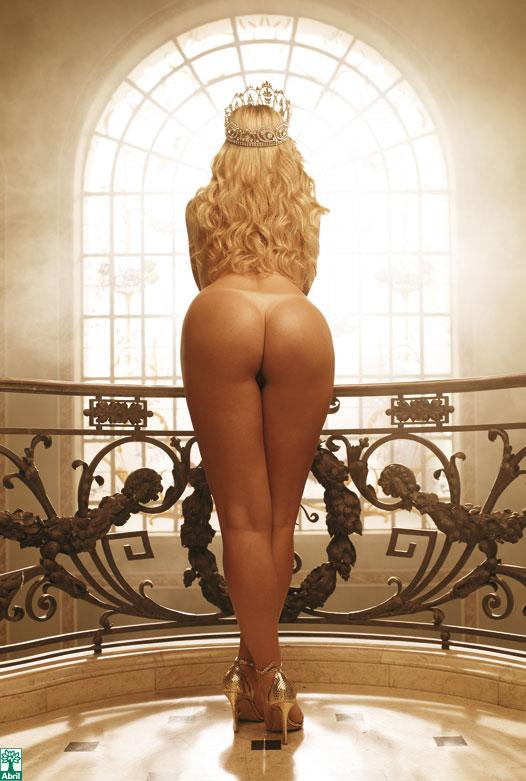 Iris Stefanelli pelada, nua na Playboy 11