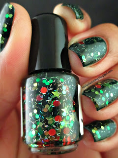 Spellbound Nails, Happy Christmas To All, Christmas, Christmas Tree, green jelly, glitter, circle glitter, stripe glitter, indie, indie brand, indie polish, nails, nail art, nail design, mani