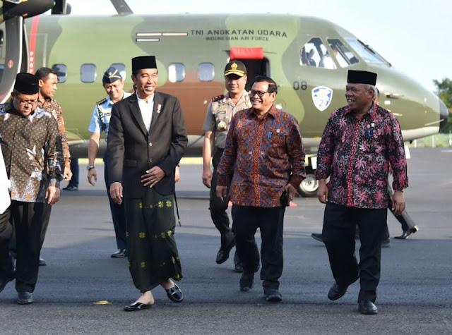 Cinta Pesantren, Presiden Jokowi Hadiri Haul dan Khotmil Qur'an di Pesantren Kempek