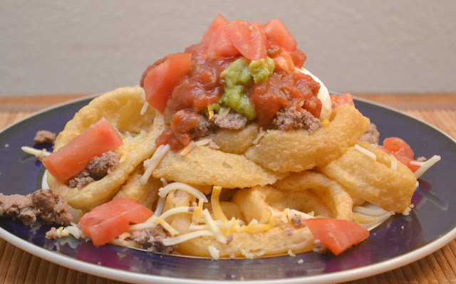 Onion Ring Tower Nachos Supreme , onion ring nachos, creative game day recipes, nacho recipe, onion ring recipes, McCain Onion rings, beer battered onion rings, onion ring towers, onion ring nachos