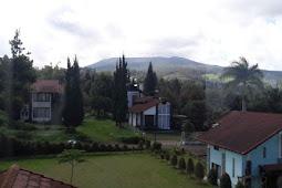 Villa Sejuk Nyaman Bagus Leluasa Di Lembang Bandung