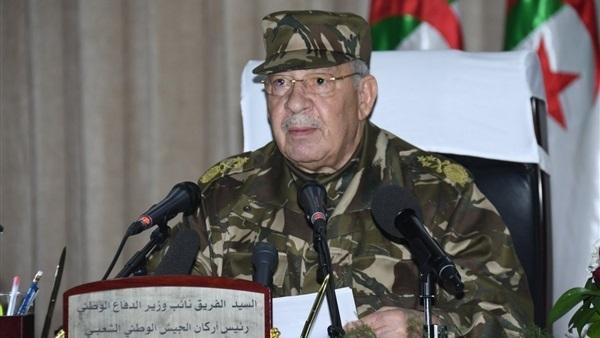 رئيس الأركان الجيش الجزائري يطالب بإعلان خلو منصب الرئاسة