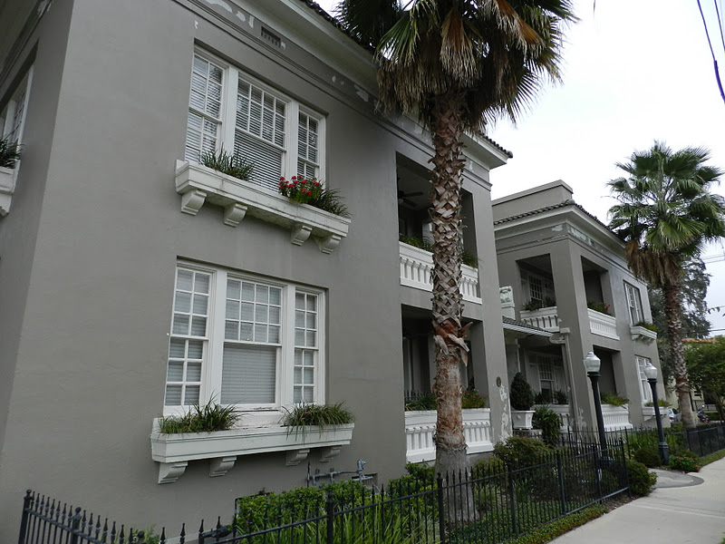 "Mike's Historic Buildings: The ""Modern"" Aberdeen Apartments"