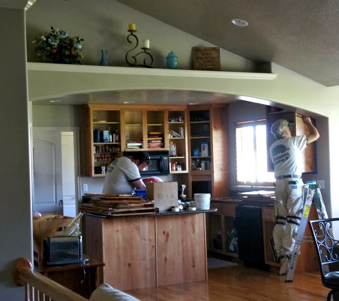 365 Days of Slow Cooking: White Painted Kitchen Cabinet Reveal - Kitchen Cabinets Glazed Light Wood Doors