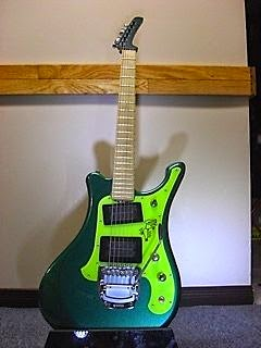 guitar blog awesome hybrid guitar built with yamaha and parker parts cool paint job. Black Bedroom Furniture Sets. Home Design Ideas