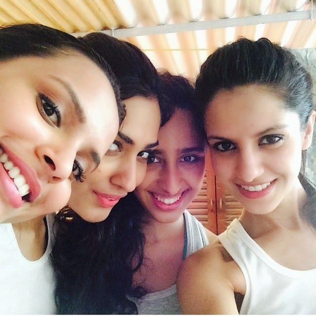 koyal rana , taking selfie with her personal trainer namrata pur oh it , and friends.   miss india 2014 , koyal rana , miss world , contestant ,  t th r runner-up , insta bollywood , bollywood report , selfie world , model , live to love , live tola ugh , life with friends ,, Koyal Rana Hot Pics From Real Life