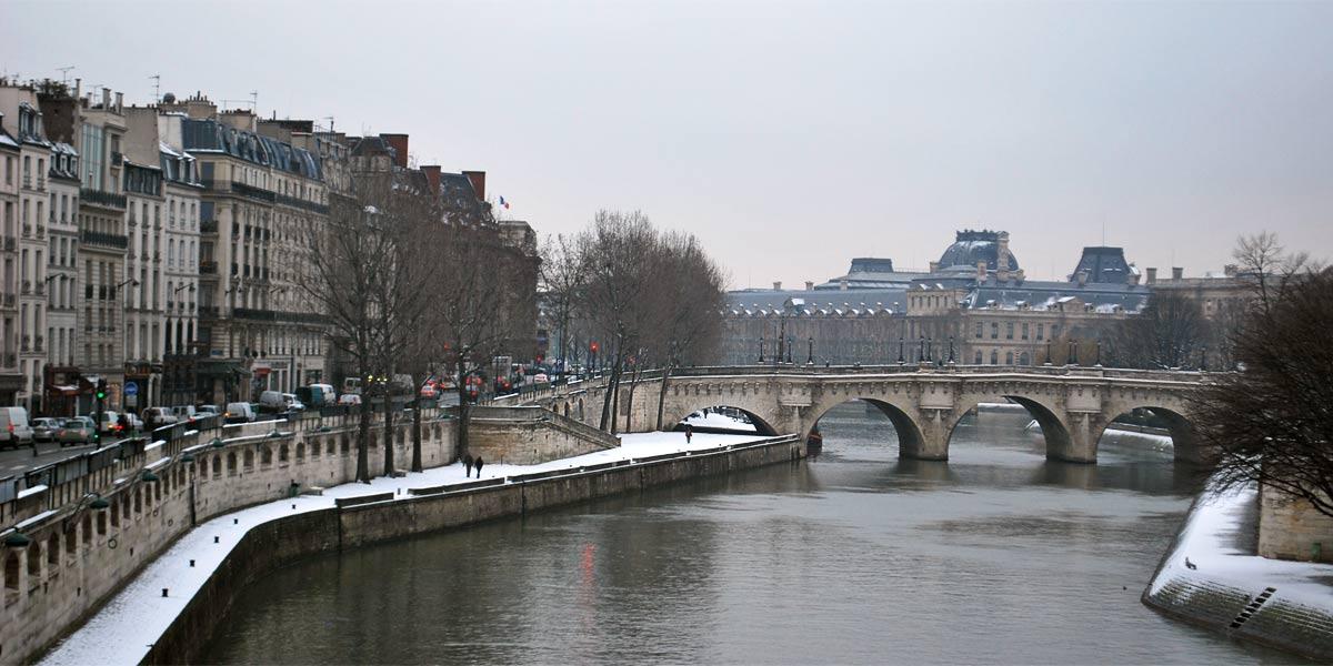 Fashion Cartoon Girl Wallpaper Paris Paris In Winter