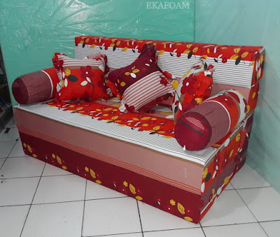 Sofa bed inoac 2016 gambar motif rosiana merah maroon