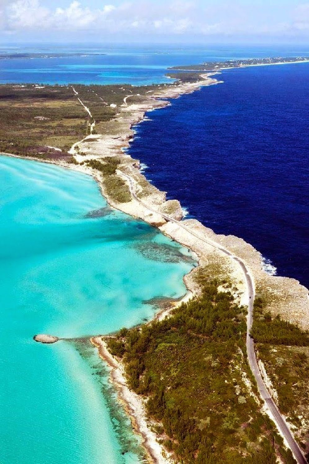 BAHAMAS, ATLANTIC OCEAN 10 Most Beautiful Island Countries in the World