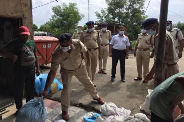 136 किलो 500 ग्राम नशीले एवं मादक पदार्थो को पुलिस ने किया नष्ट