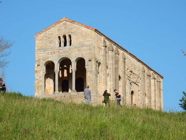 Santa María del Naranco, Oviedo, La Vetusta, España, Elisa N, Blog de Viajes, Lifestyle, Travel