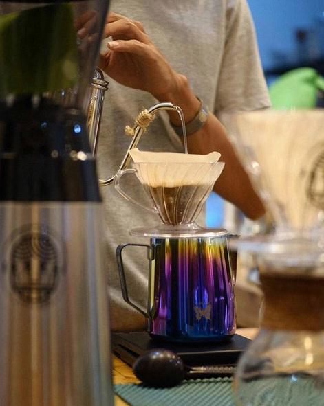 Kedai Sipulung: Berasa Nongkrong Sambil Ngopi di Makassar