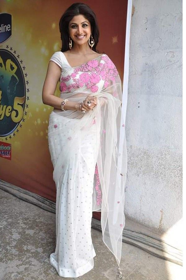 Shipla Shetty Sizzles in this white saree