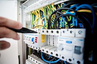 Trabajos de mantenimiento en instalaciones baja tension