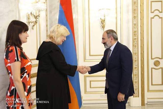 Pashinyan recibe a Dunja Mijatović